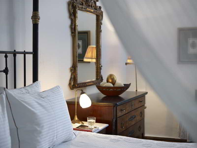 Room 1864 The  Sea Captain\'s House
