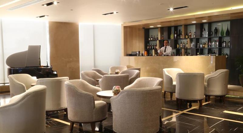 Lancaster Plaza - Bar - 3