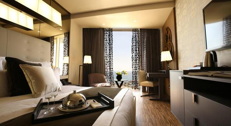 Lancaster Plaza - Room - 11