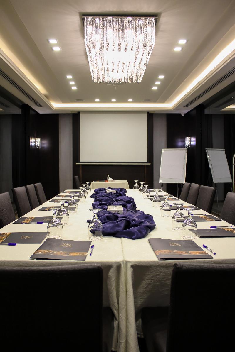 Conferences Retaj Hotel