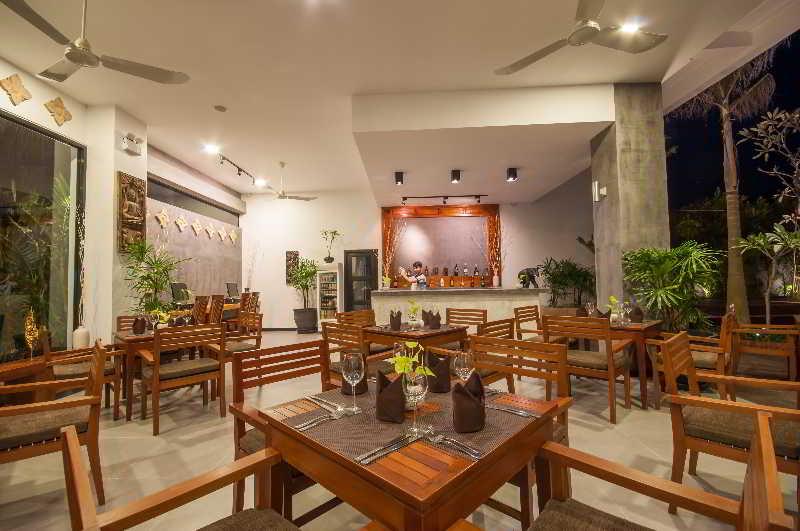 Landing Gold Villa - Restaurant - 12