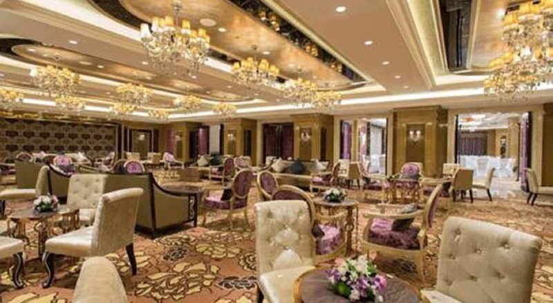 Narcissus Hotel and Residence - Restaurant - 15