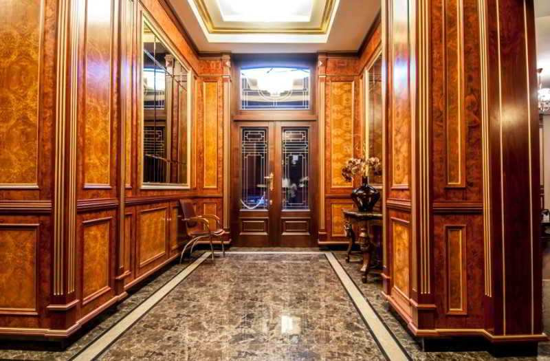 Lobby Diamond House