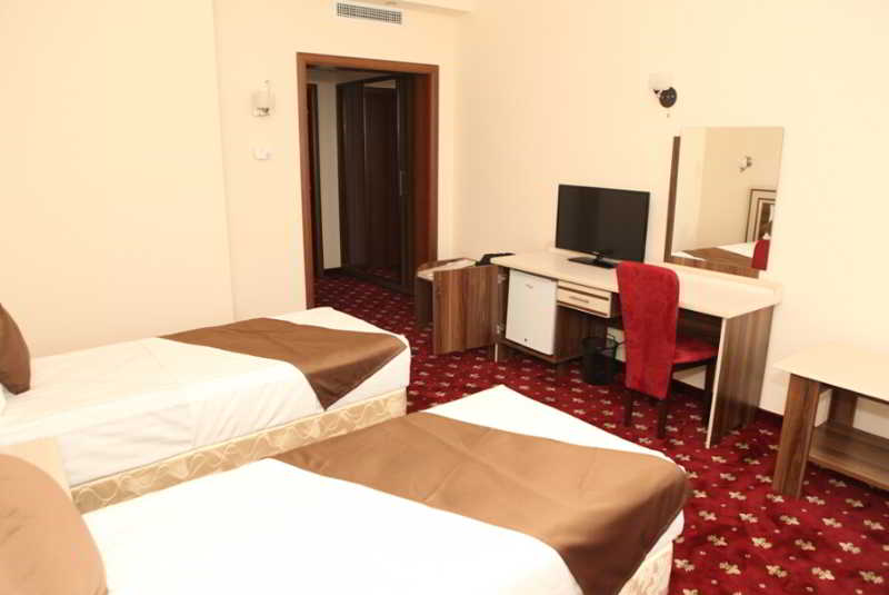 Millennium Resort Patong Phuket - Room - 3