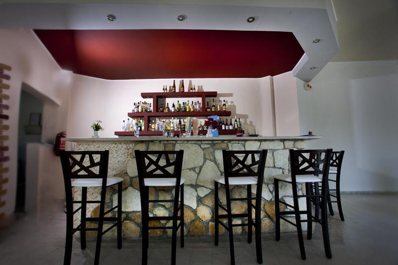 Bar Pashos Hotel