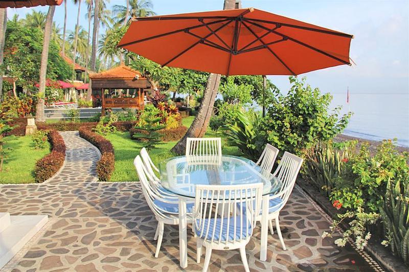Terrace Bondalem Beach Club