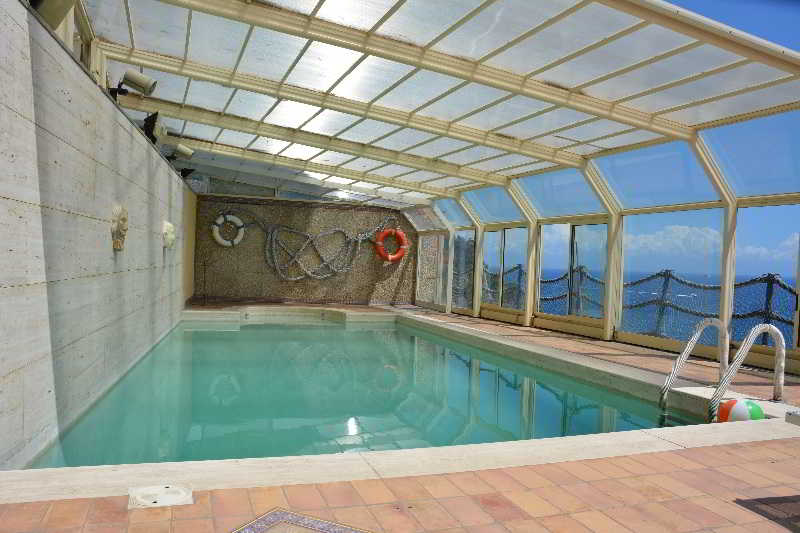 Pool Torre Di Cesare