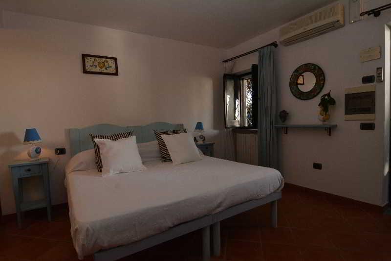 Room Torre Di Cesare