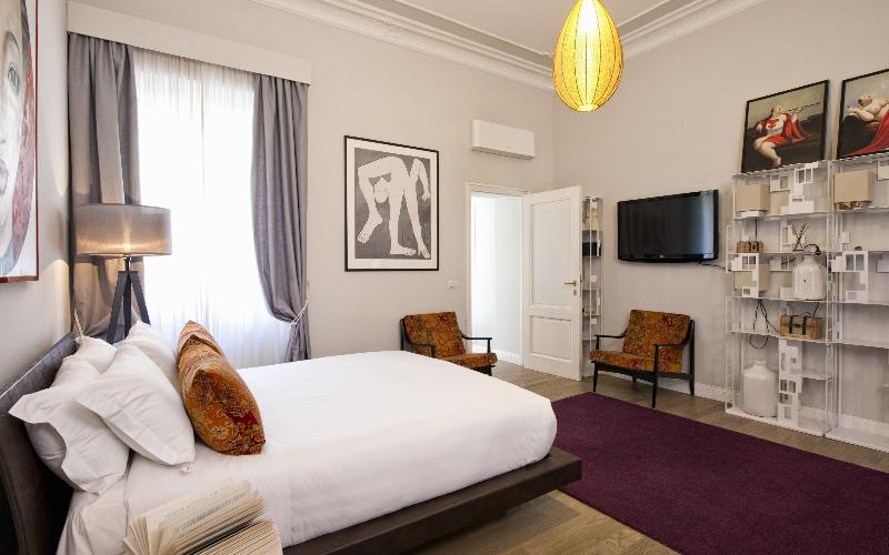 Room The Independent Suites