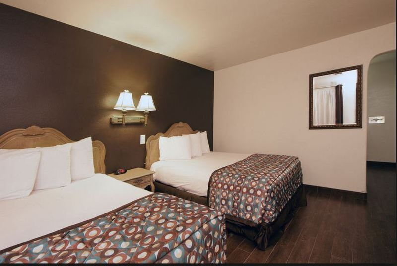 Room Anaheim Discovery Inn & Suites