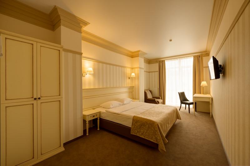 Room Premier Geneva Hotel