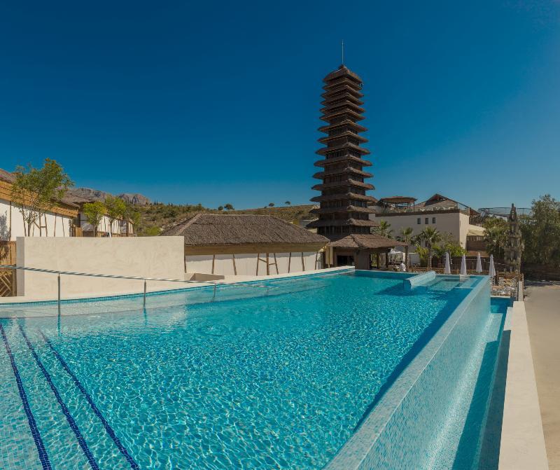 hotel magic natura animal, waterpark & polynesian resort