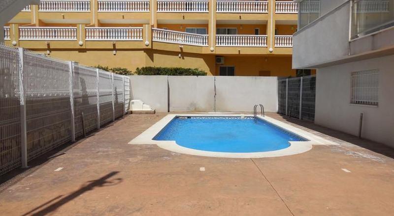Pool Apartamentos Playasol 3000
