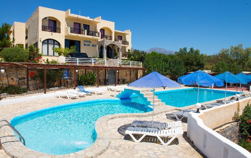 Pool Blue Sky Hotel