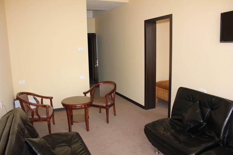Room Nare