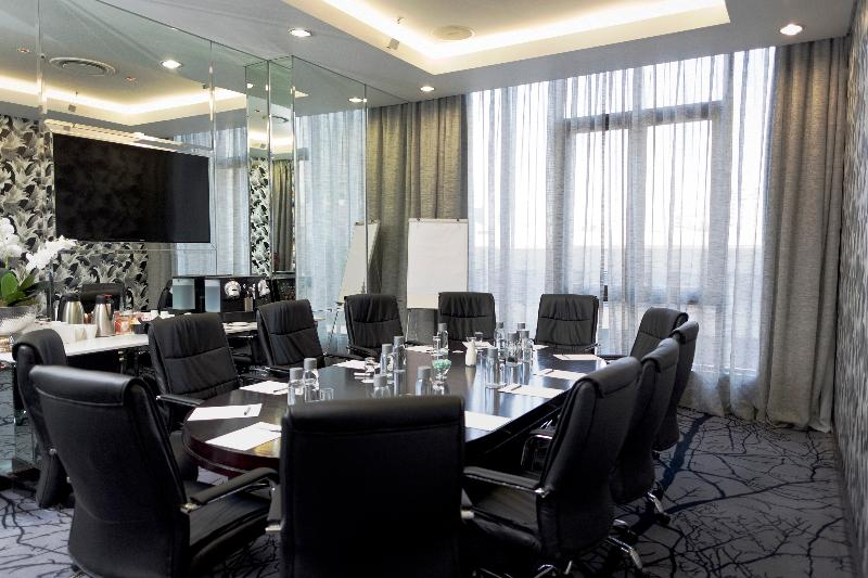 Davinci Suites on Nelson Mandela Square - Conference - 4
