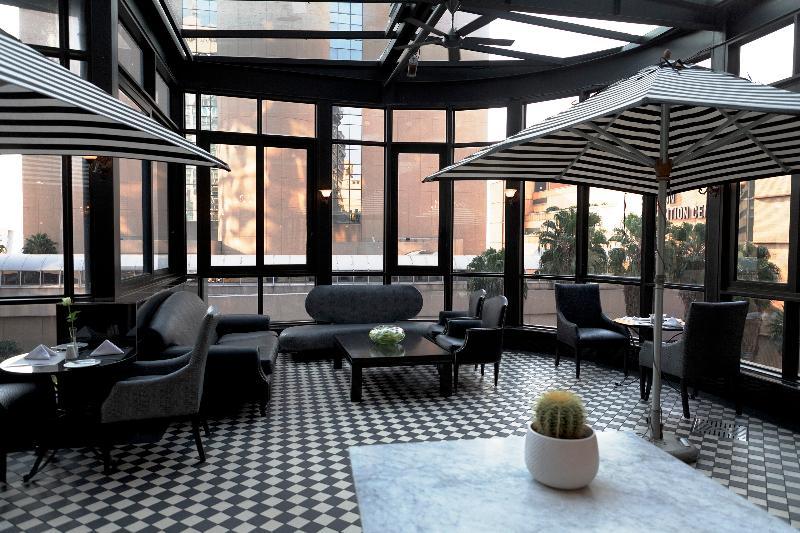 Davinci Suites on Nelson Mandela Square - Pool - 13