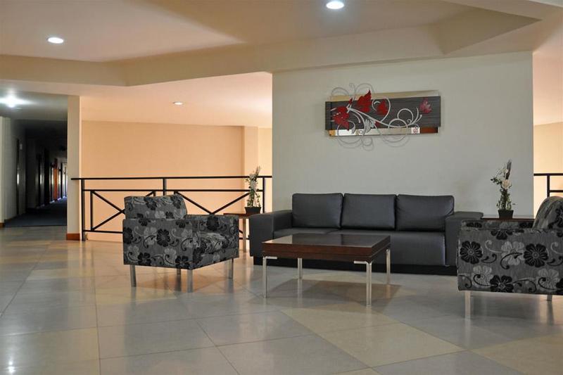 Lobby Cegil Hotel Boulevard