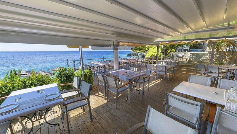 Restaurant Adrina Beach Axte