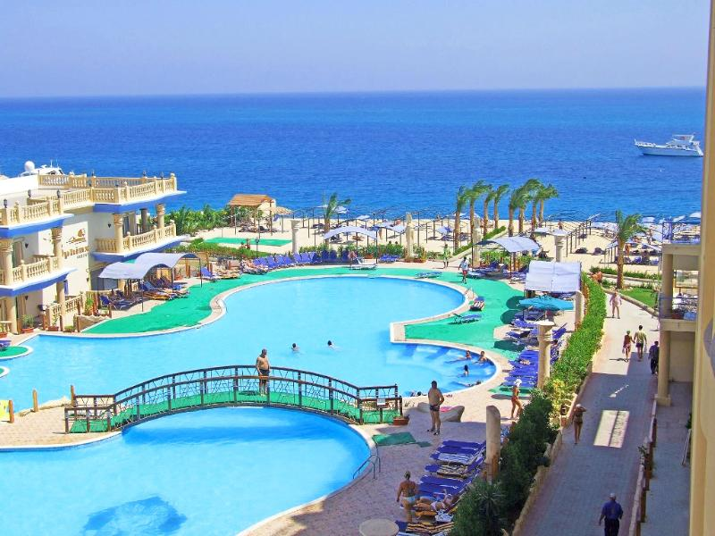 Pool King Tut Aqua Beach Resort