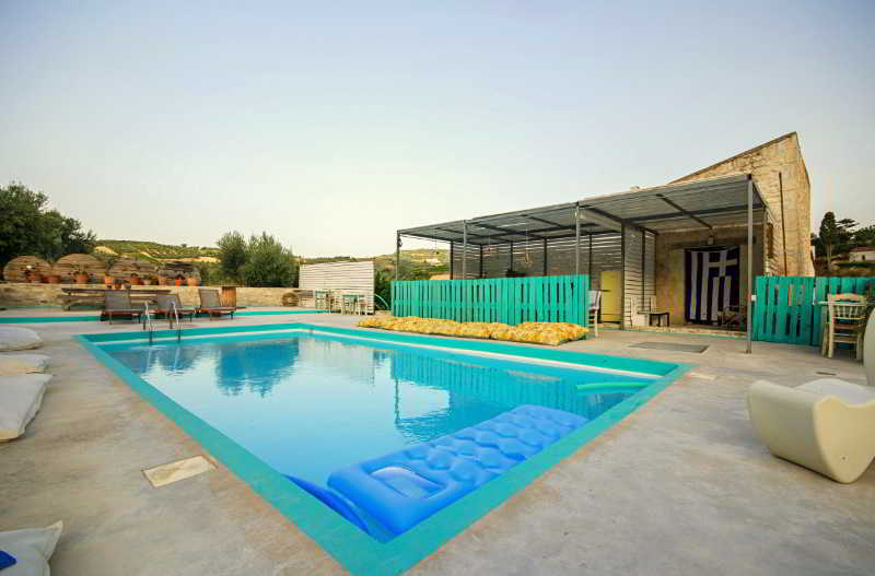 Pool Pervola Hotel