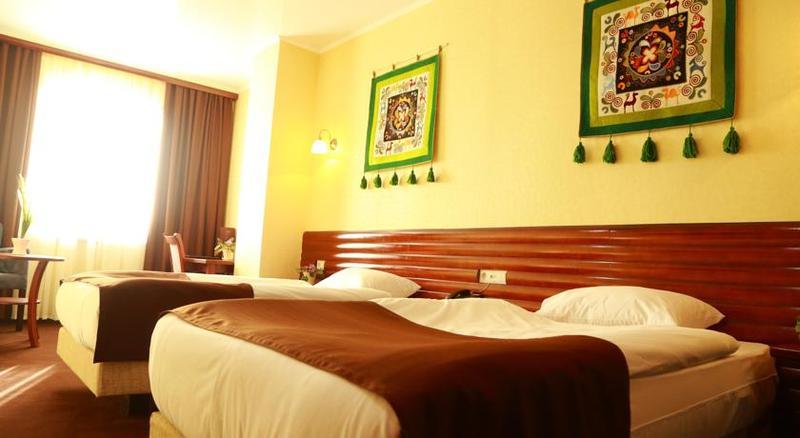 Room Green City