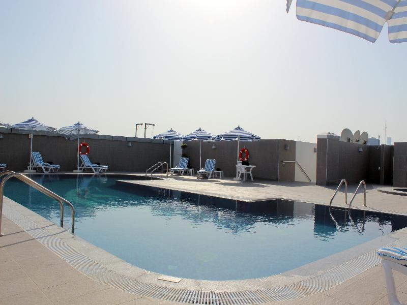 Pool Al Diar Sawa Hotel Apartments