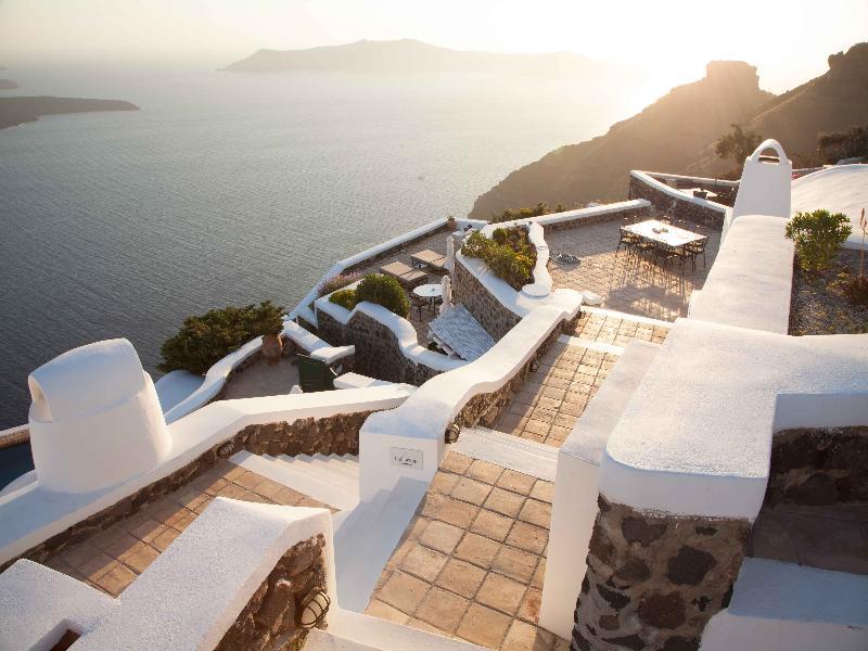 General view The Vasilicos Caldera Heritage Suites