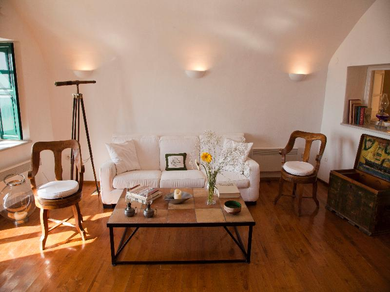 Lobby The Vasilicos Caldera Heritage Suites