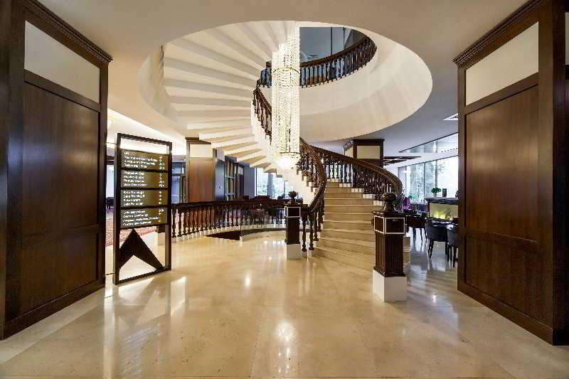 Lobby International Sinaia