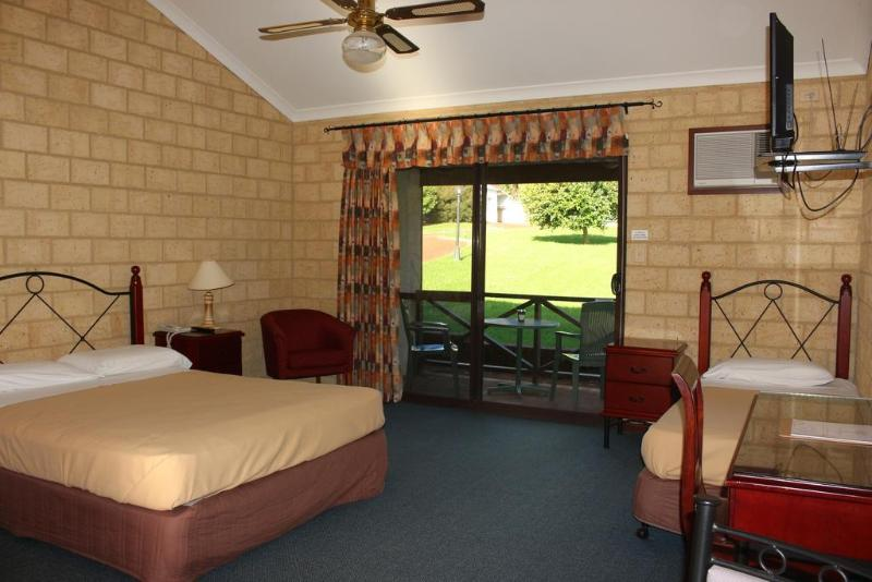 manjimup chat rooms Rooms for rent or check  didn't go to margaret river but i stayed near manjimup and spent a few  when we went to the sv even the general public would come up .
