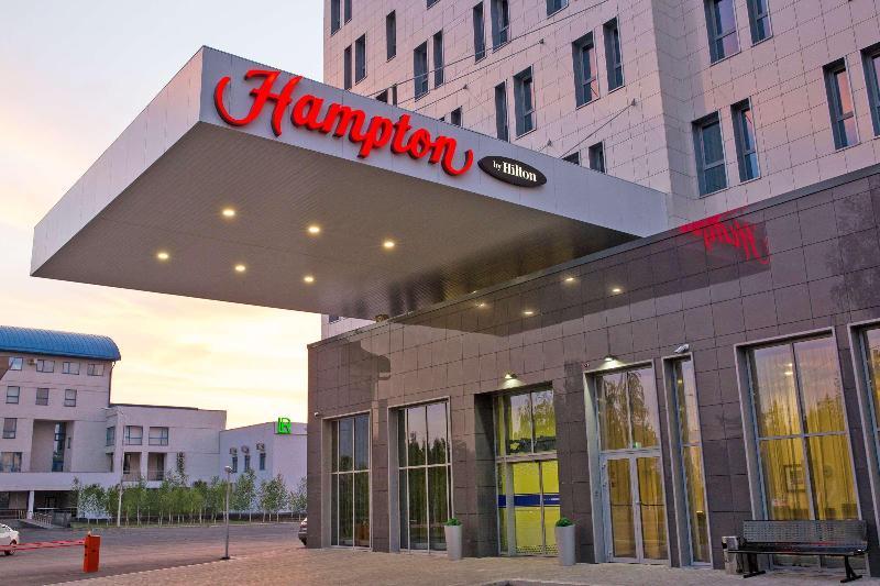 Hampton Inn Ufa - Hotel - 5