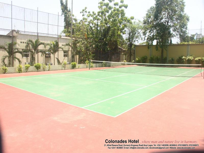 Sports and Entertainment Colonades Hotel