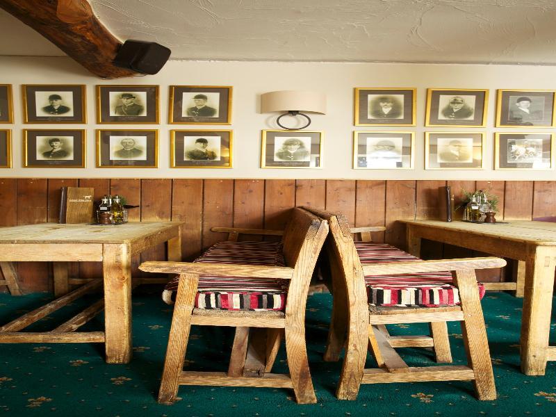 Sea Stone Resort/Days Inn - Bar - 15