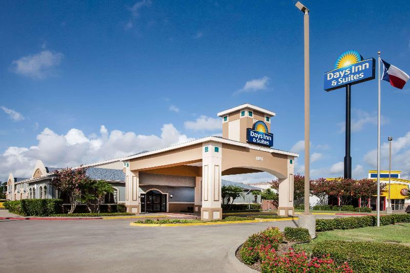 General view Days Inn &suites By Wyndham Corpus Christi Central