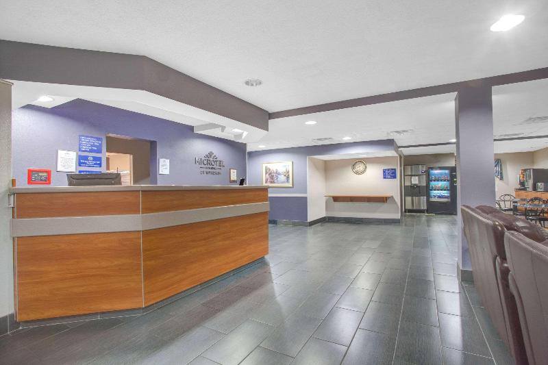 Lobby Microtel Inn & Suites By Wyndham Dover