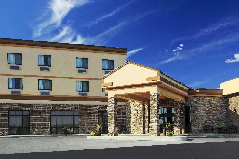General view Ramada By Wyndham Grand Dakota Hotel Dickinson