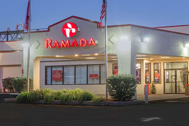 General view Ramada By Wyndham Yonkers