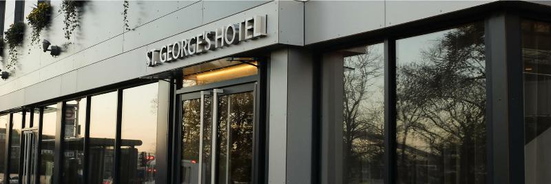 Best Hotels Near London Designer Outlet, Wembley, England