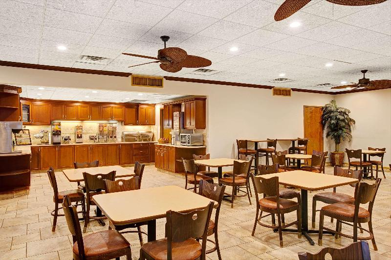 Ramada by Wyndham Wayne Fairfield Area