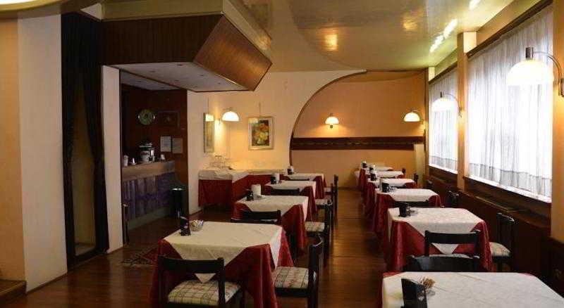 Samaina Port - Restaurant - 6