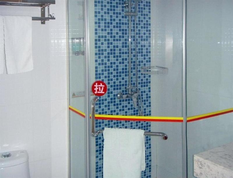General view Super 8 Hotel Yizheng Shi Dai Guang Chang