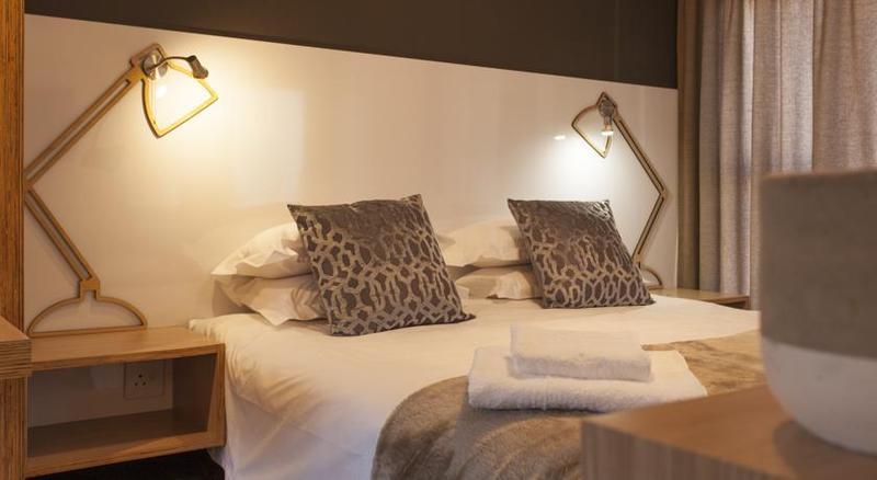 Room Akanani Apartments