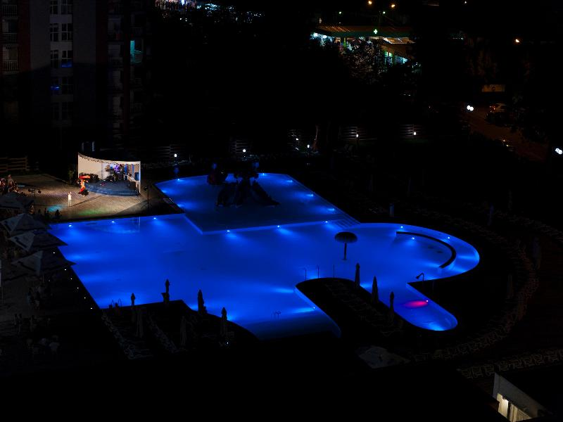 Pool Mera Resort