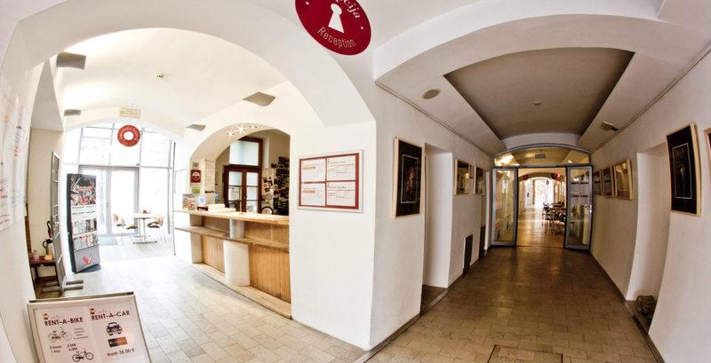 Lobby Hostel Celica