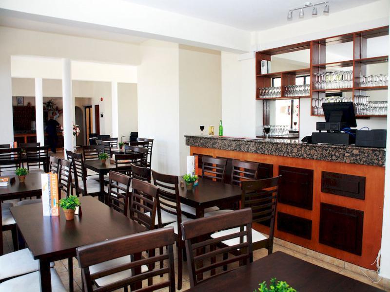 Bar New York Plaza Hotel Apartments
