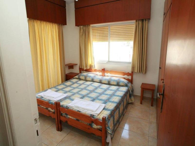 Room New York Plaza Hotel Apartments