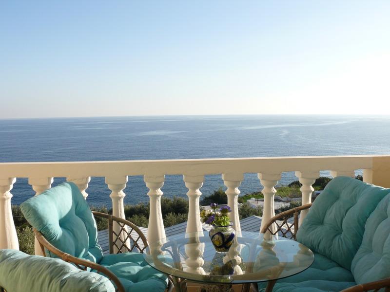 Terrace Achlia Villas