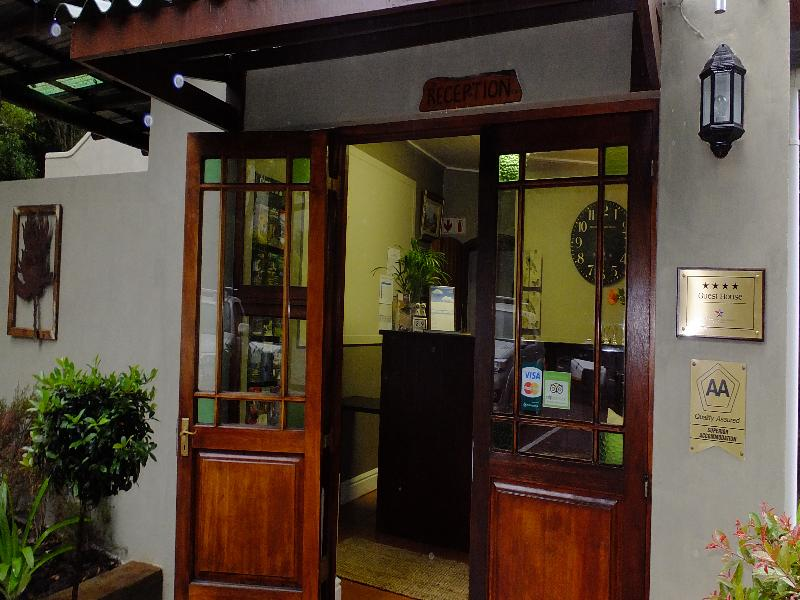 Lobby Blackwaters River Lodge