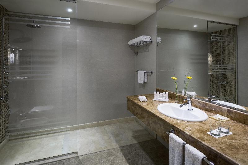 Room Radisson Blu Dhahran
